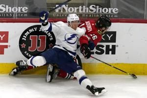 Lightning top Blackhawks on Hedman's horn-beating OT goal