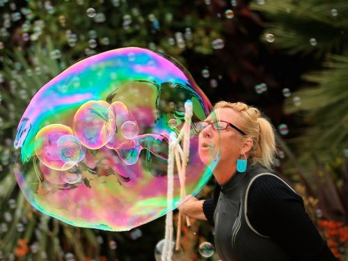 The inverted yield curve will cause asset bubbles not recession, economist says
