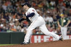 Astros planning to be without reliever Smith this season