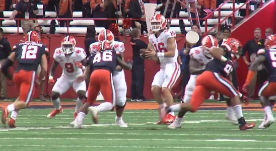 No. 1 Clemson roll past Syracuse on the road