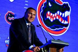 Florida's Mullen hoping for sizable leap in 2nd season
