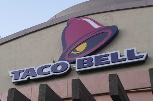 Couple files federal lawsuit against Taco Bell over $2.18 bill dispute
