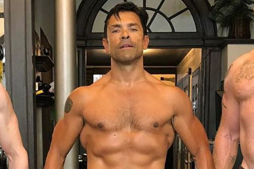 Kelly Ripa shows off Mark Consuelos's ripped body and more star snaps