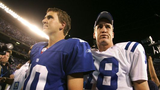 Peyton Manning analyzes brother Eli's performance, and it gets awkward