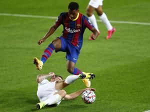Newspaper apologizes for racist comment about Barça's Fati