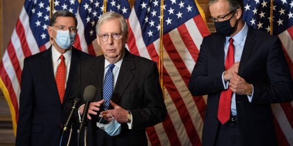 McConnell reportedly wants GOP senators to praise Manchin and Sinema, so they won't move to scrap filibuster