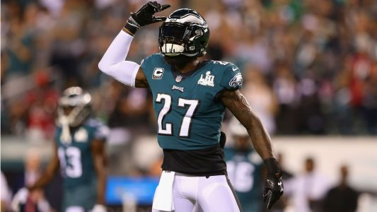 Eagles' Malcolm Jenkins rips replay officials: 'Stay off the bottle'