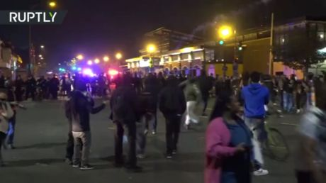 BLM protesters bombard police with missiles, fireworks in 2nd night of clashes after fatal moped chase