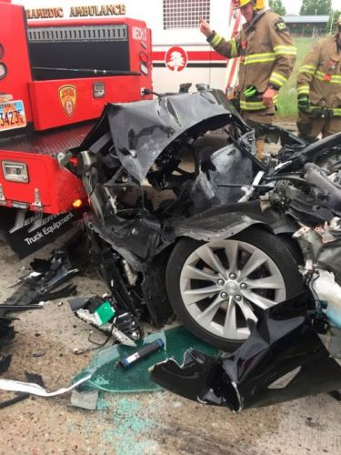 Tesla in Autopilot Mode Accelerated Prior to Crash With Fire Truck, Police Say