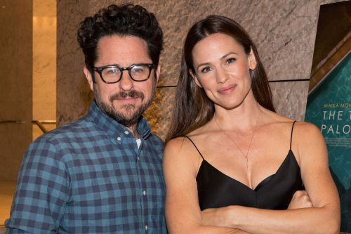Jennifer Garner and J.J. Abrams reunite for series at Apple