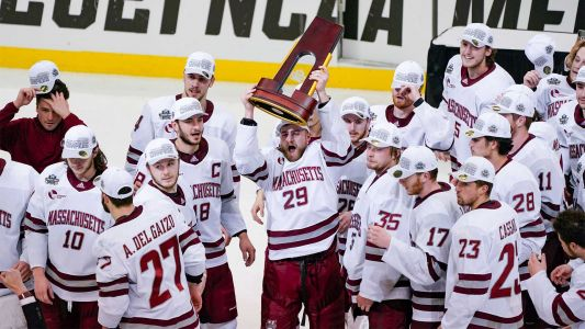 UMass dominates national championship game to win first NCAA hockey title