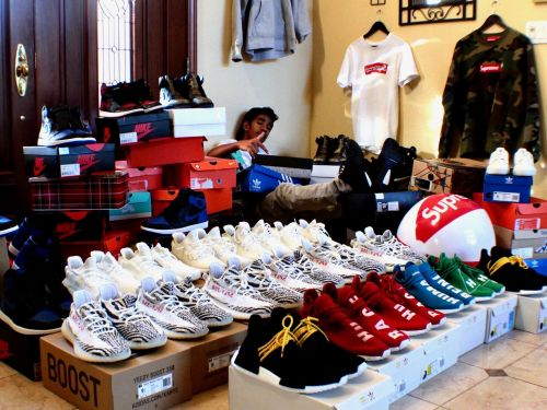 An entrepreneur who made close to $400,000 in sneaker sales reveals the top 4 pairs to invest in right now for the most profit - and the one unexpected pair to avoid