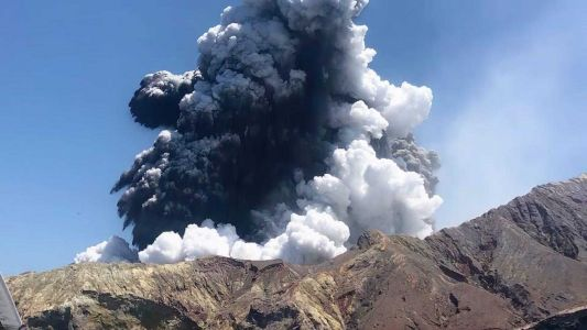 Military to attempt retrieval of remaining bodies after New Zealand volcano eruption
