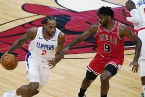 Kawhi Leonard sidelined by leg contusion, out for Clippers vs. Cavaliers