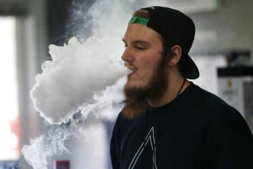 New York, Michigan approve bans on sale of flavored e-cigs