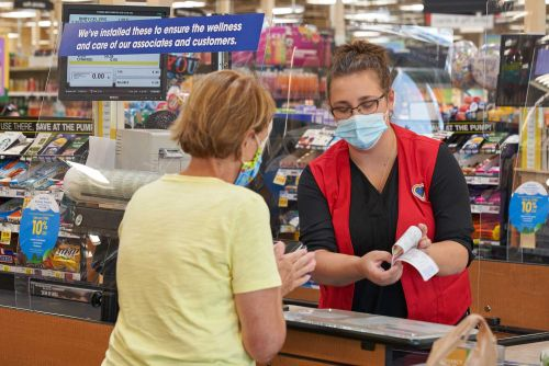 Customers will be required to wear masks at Pick 'n Save, Metro Market, Kohl's