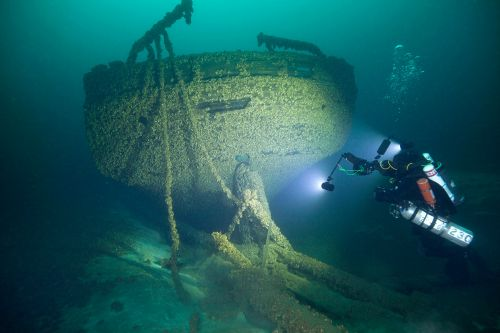 History buff finds ships that sank over 140 years ago in Lake Michigan