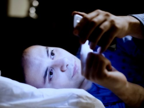 How to turn off blue light on your iPhone with Night Shift, and make it easier to fall asleep at night
