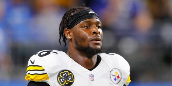 Le'Veon Bell hints he won't return to Steelers anytime soon after Earl Thomas injury