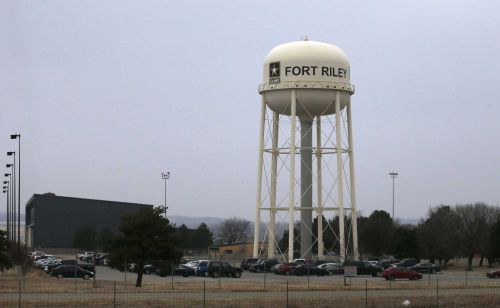 Fort Riley soldier arrested by FBI for allegedly planning to bomb news network, politician