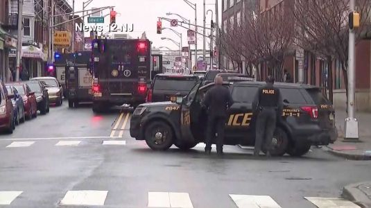 Officials: Gunman opens fire on police officers in New Jersey