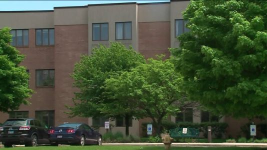 Nursing homes to remain closed as Illinois moves into Phase 3 Friday