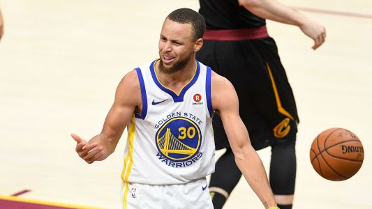 Stephen Curry doesn't believe humans have been to moon