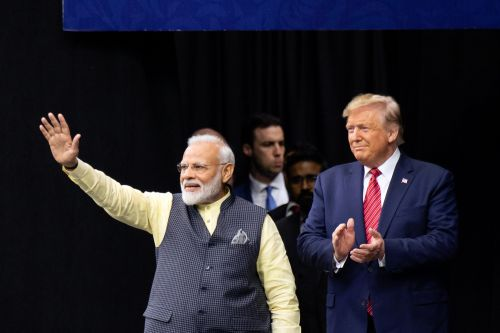 Trump praises Indian prime minister at 'Howdy, Modi!' rally