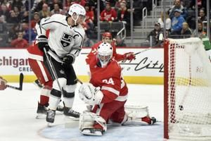 Kopitar scores 2, Kings beat Red Wings 4-2