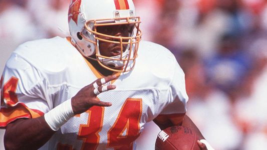 Former NFL running back Reggie Cobb dies at age 50