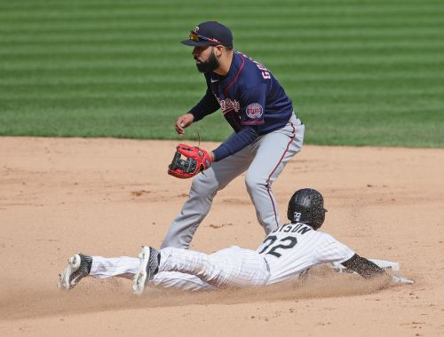 White Sox clinch playoff spot for first time since 2008 with 4-3 win over Twins