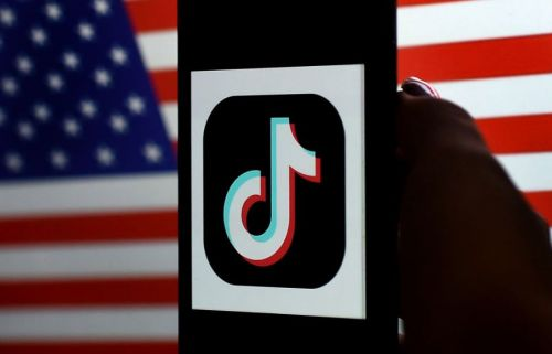 President Trump signs executive orders to ban TikTok, WeChat in 45 days