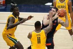 No. 2 Baylor uses stout defense to get past No. 5 Illinois