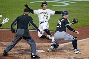 Pirates rally for 6-3 win over skidding White Sox