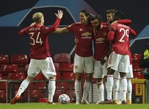 Charitable Fernandes inspires Man United to 4-1 win in CL
