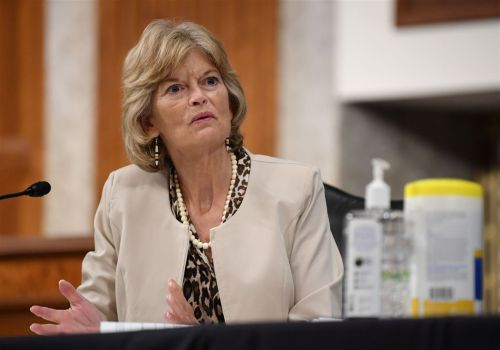 Murkowski becomes 2nd GOP senator to oppose filling Supreme Court seat before election