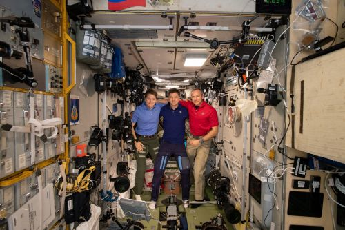 Space Station Astronauts Return to Earth Tonight: Watch It Live!