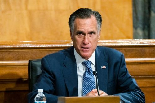 Romney says he won't block vote on Trump Supreme Court pick