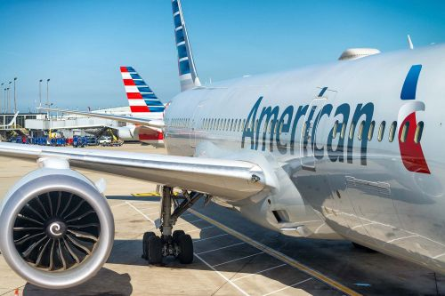 13 American Airlines passengers hospitalized with puzzling illness