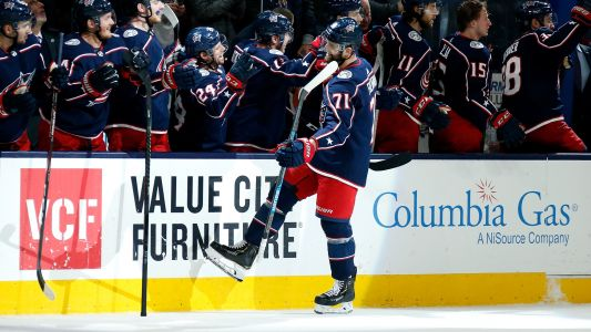 Blue Jackets' Nick Foligno scores between-the-legs goal, adds to growing list in 2019-20