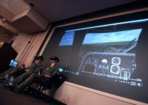 Rescue helicopter pilots showcase VR capability to ACC leadership