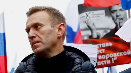 'Put the proof on prime time TV, you have my permission': Navalny to sue Putin's spokesman over CIA allegation