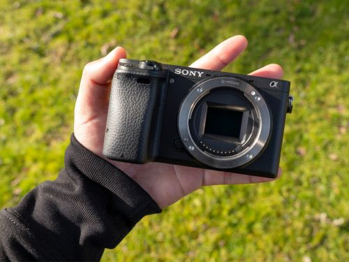 The Sony A6400 is an incredibly versatile mirrorless camera that's easy to use for sharp photos, 4K video and even sports photography