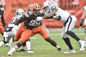Browns' Garrett on track to return from COVID this week