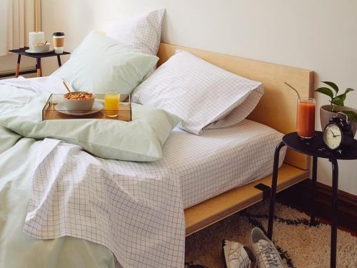 Brooklinen's linen sheets won't make you sweat on hot summer nights - here's what sleeping with them feels like