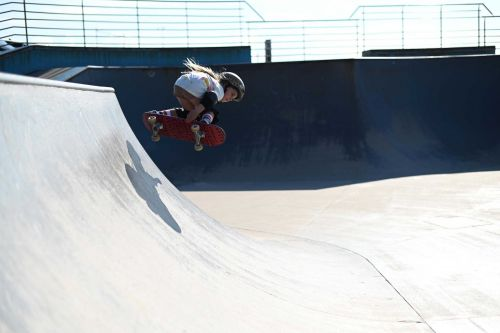 'Never give up': This 6-year-old girl is riding skateboard ramps double her size