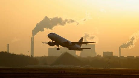 Pandemic-stricken French aviation sector laments move to slash carbon emissions by banning domestic flights