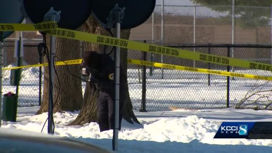 Police identify man found dead outside Des Moines apartment