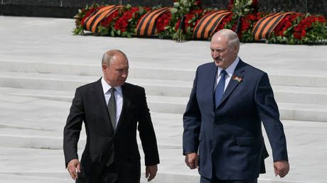 'He won't hold onto power until 2036': Lukashenko '100% guarantees' that Putin won't be Russia's leader for life