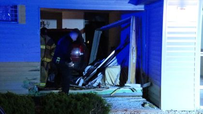 People Hurt After Car Smashes Into Brooklyn Park Apartment
